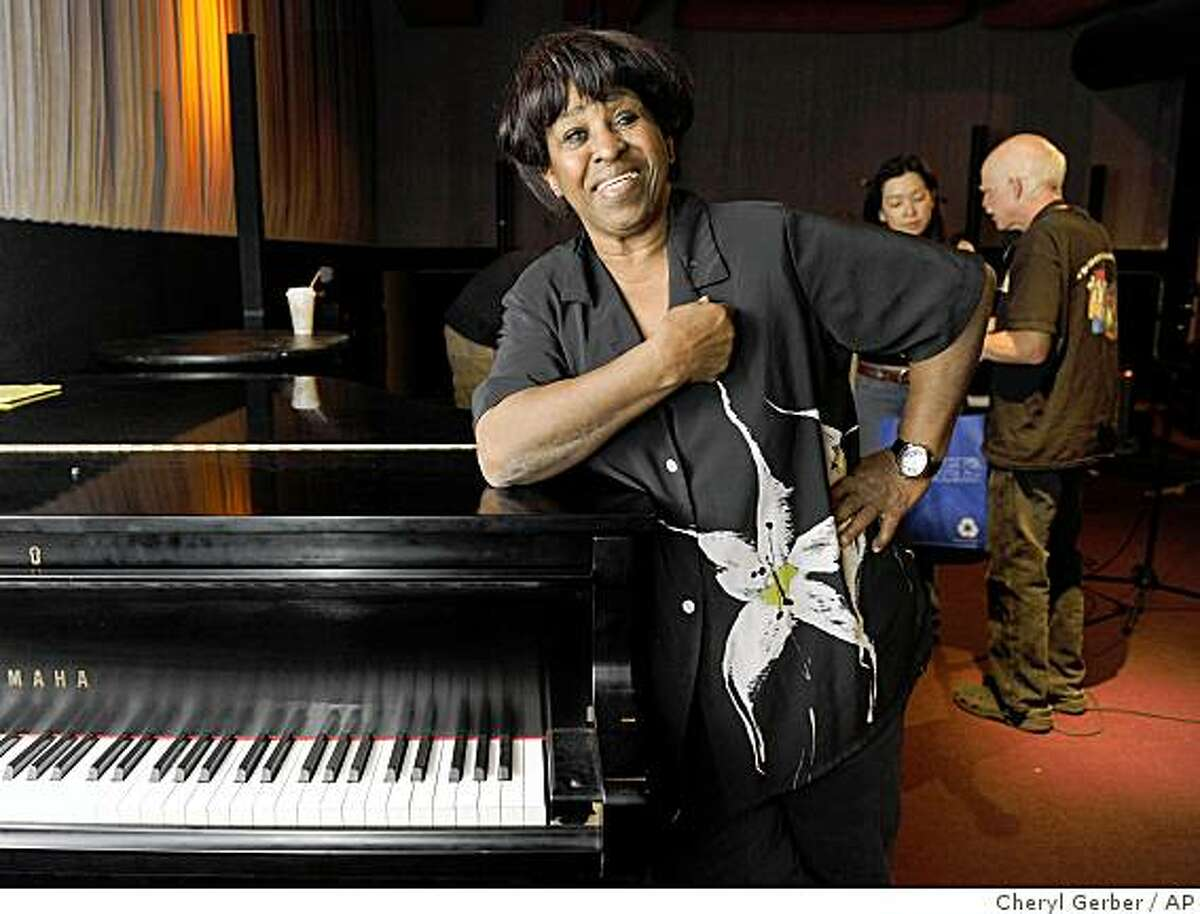 Blues singer Thais Clark gets ready to rehearse Wed., July 1, 2009 in preparation for her debut at the Essence Music Festival, in New Orleans. ((AP Photo/Cheryl Gerber)