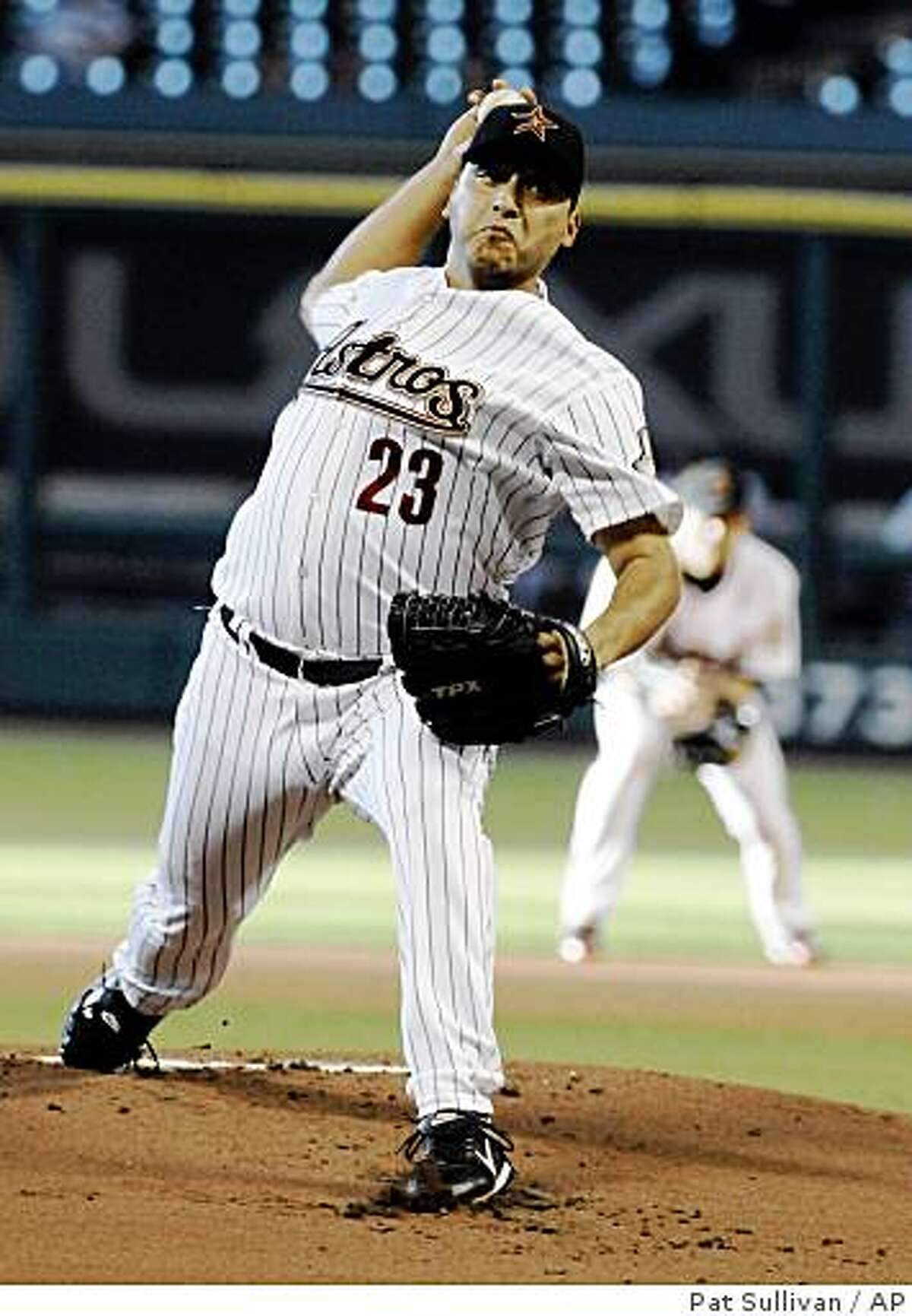 Houston Astros' Russ Ortiz delivers a pitch in the first inning against the Kansas City Royals in a baseball game Tuesday, June 23, 2009, in Houston. (AP Photo/Pat Sullivan)