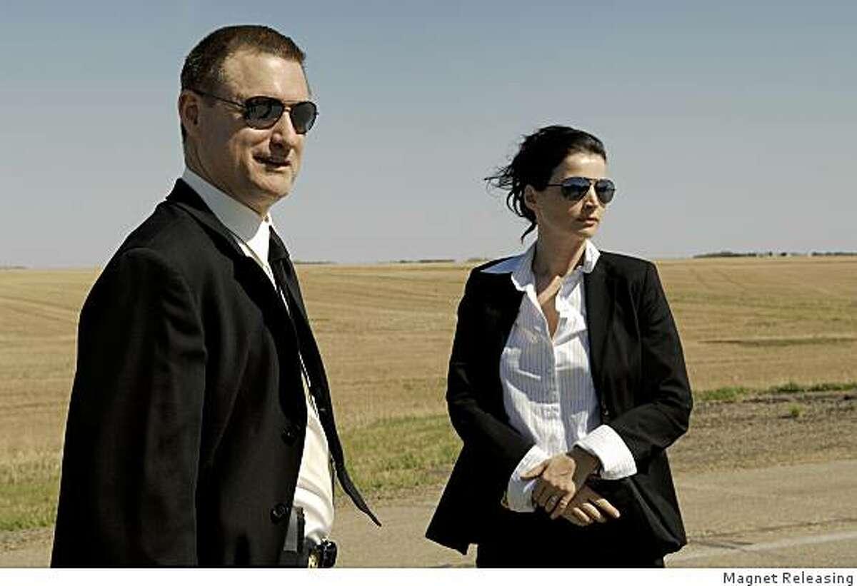 Bill Pullman and Julia Ormond in Jennifer Lynch's thriller,