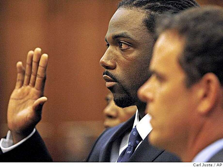 Cleveland Browns wide receiver Donte' Stallworth is shown in a Miami-Dade County courtroom Tuesday, June 16, 2009 in Miami, Fla. Stallworth is going to serve 30 days in jail after pleading guilty to a DUI manslaughter charge. The plea deal announced Tuesday calls for the 28-year-old Stallworth to also serve 10 years probation and do 1,000 community service hours for killing a pedestrian he hit with his car. Stallworth had faced up to 15 years in prison. (AP Photo/Carl Juste, Pool) ** NO SALES ** Photo: Carl Juste, AP