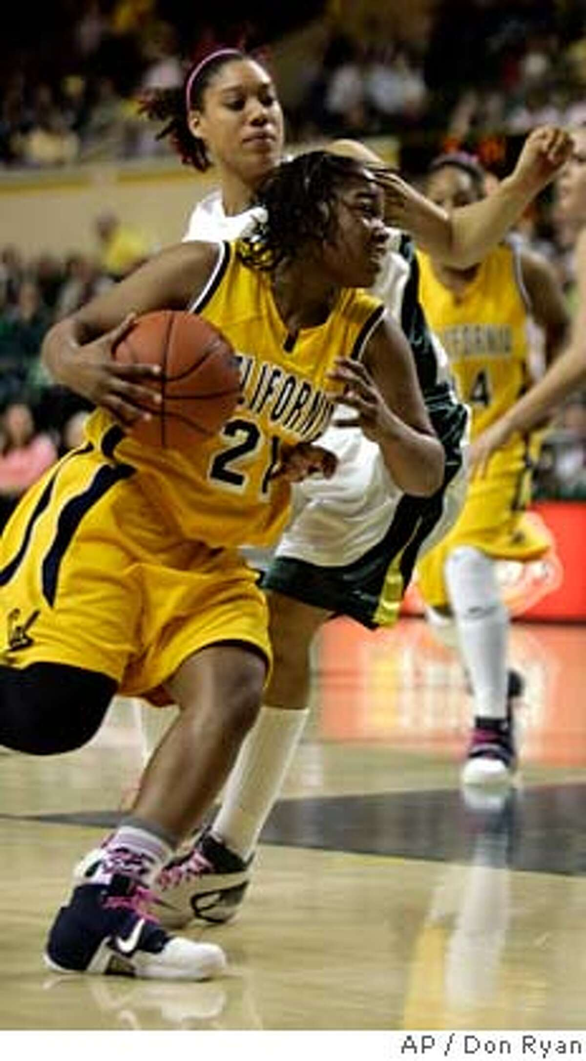 California guard Alexis Gray-Lawson (21) drives to the hoop against Oregon guard Tamika Nurse during second-half women's college basketball action in Eugene, Ore., Saturday, Feb. 9, 2008. Gray-Lawson led California with 16 points to beat Oregon, 53-34.(AP Photo/Don Ryan) EFE OUT