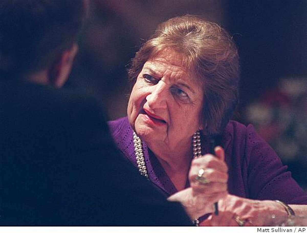 Veteran United Press International White House correspondent, Helen Thomas, talks with guests and clients of Bank One Tuesday, May 16, 2000, prior to speaking at The Grand Wayne Center in downtown Fort Wayne, Ind.