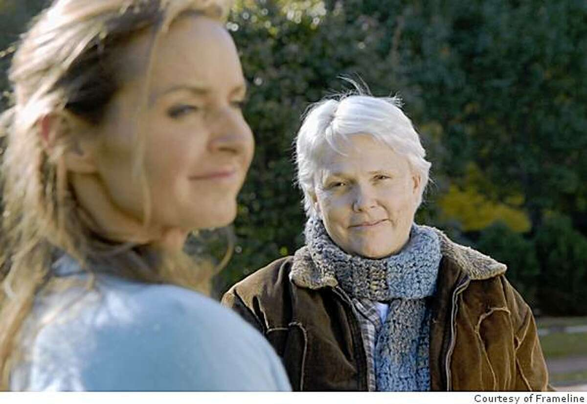 PGAnnSharon_HB.jpg: Hannah (Sharon Gless, Right) and Rachel (Ann Hagerman, Left) in the movie Hannah Free .