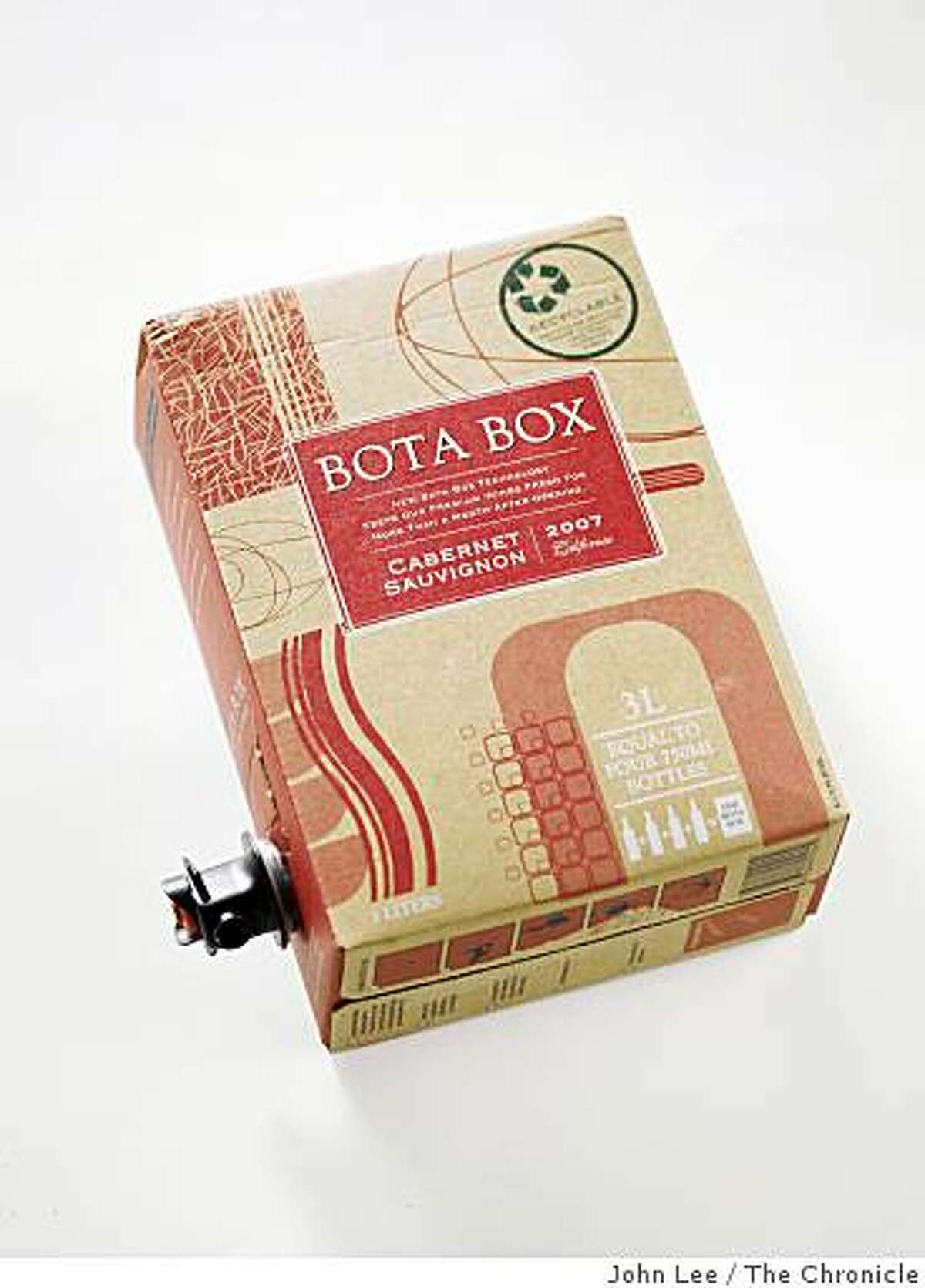 GRID21_02_JOHNLEE.JPG 2007 Bota Box California Cabernet Sauvignon.By JOHN LEE/SPECIAL TO THE CHRONICLE