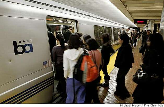 Riders boarding trains in San Francisco, Calif. on Thursday May 7, 2009, as the BART board is getting input today from the public and other about what the future trains should look like and what changes need to be made. Photo: Michael Macor, The Chronicle