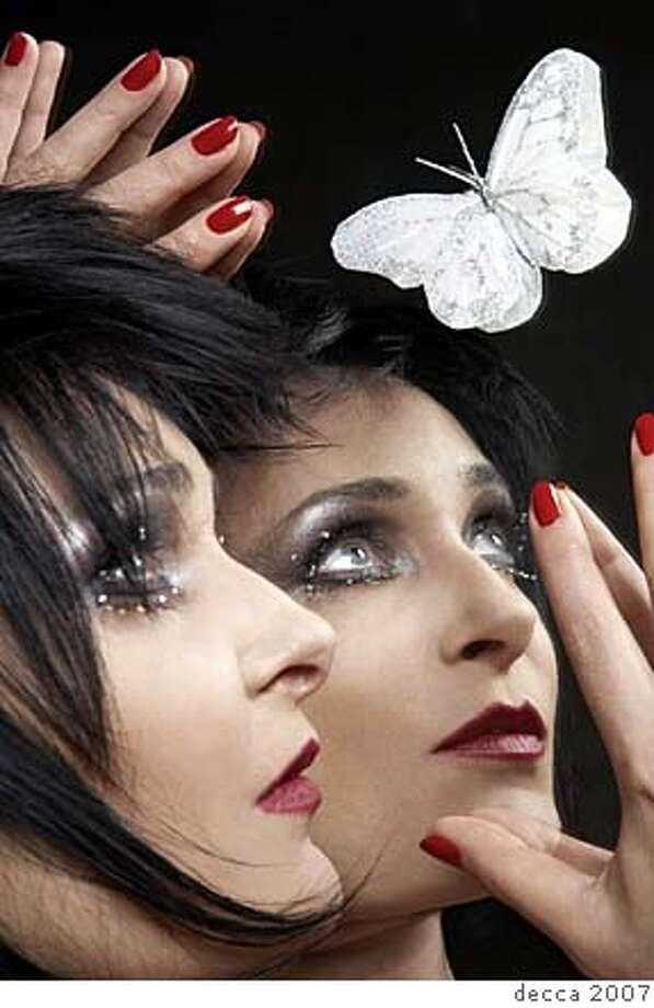 Siouxsie Photo: Decca 2007