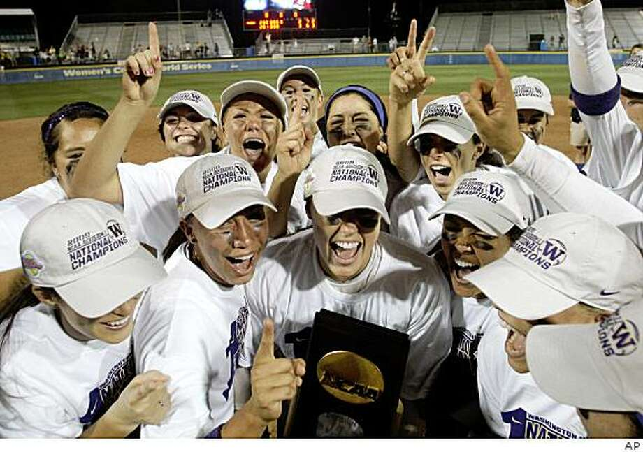 7. 2009 Huskies softballThe Huskies took home their first softball championship in their ninth appearance in the Women's College World Series, sweeping the Florida Gators in a best-of-three series. Player of the year Danielle Lawrie pitched both games of the championship series, which capped off a 51-12 season for the Huskies, who entered the tournament as the No. 3 seed.SanjaTomasevic Photo: AP