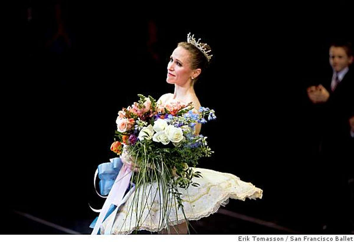 San Francisco Ballet's Tina LeBlanc takes her final bows at the end of her gala farewell Saturday at the War Memorial Opera House.