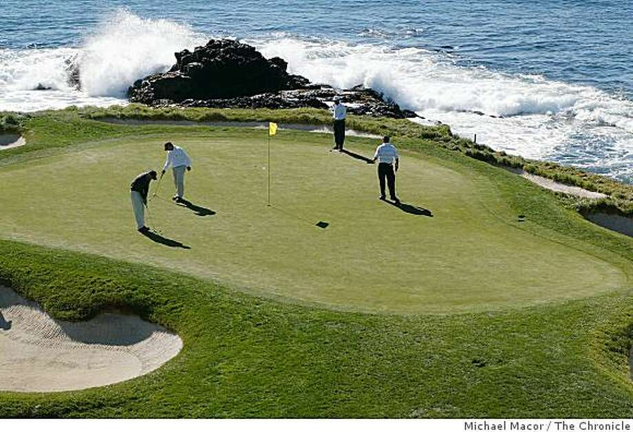 MONTEREY7-C-03FEB03-TR-MAC # 7 hole on the edge of the Pacific Ocean. Monterey Peninsula golf coures that are reasonably affordable, compared to the likes of Pebble Beach, Spyglass and Spanish Bay. by Michael Macor/The Chronicle Photo: Michael Macor, The Chronicle