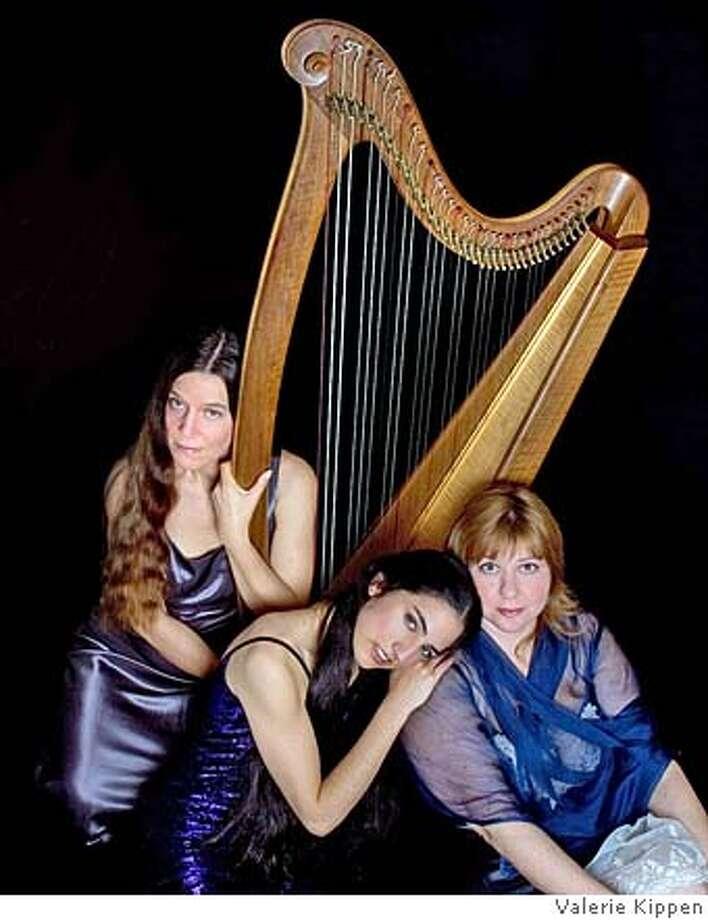 Diana Stork, Portia Diwa, Shawna Spiteri of the Celtic harp group Triskela. Photo: Www.elefunt.com/triskela