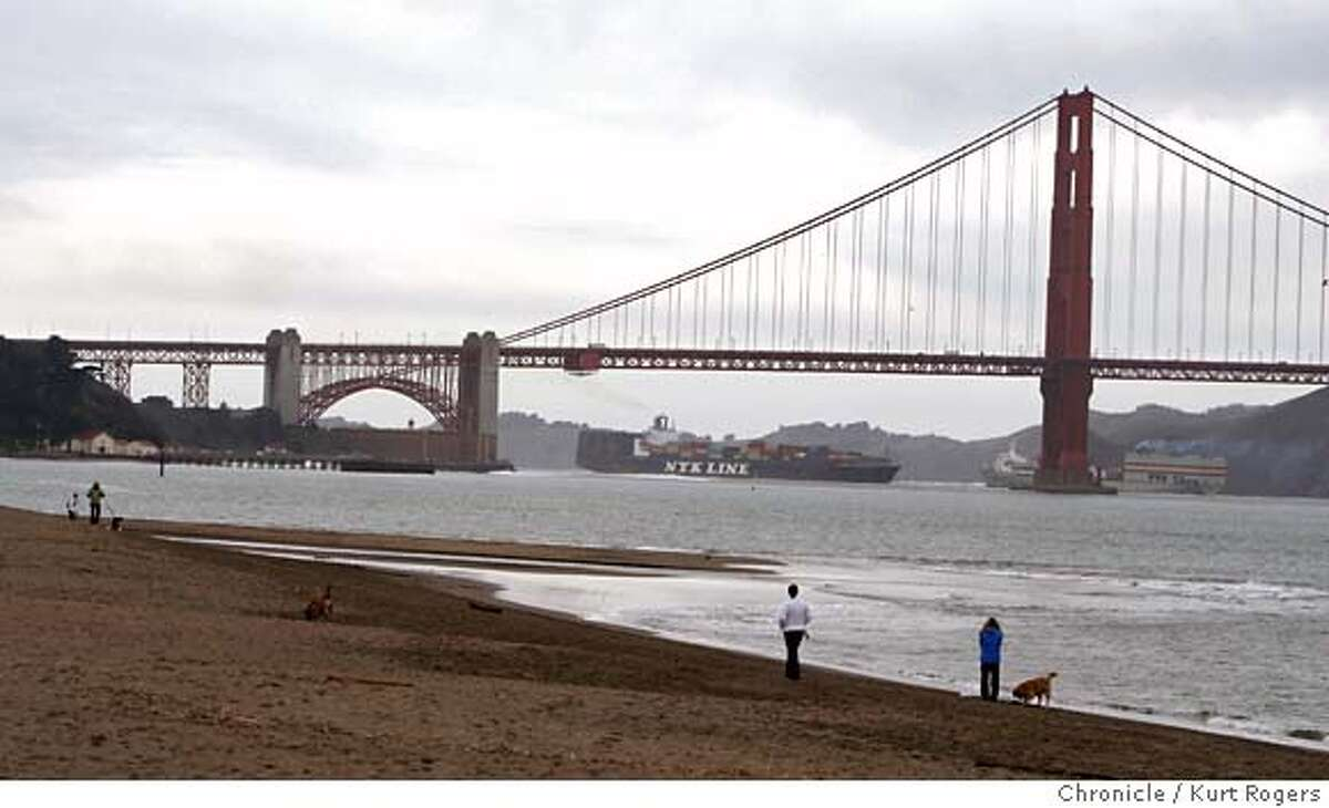 2.7 million gallons of raw sewage spilled into Richardson Bay. Crissy field is still open and there are no signs of the spill. Kurt Rogers / The Chronicle