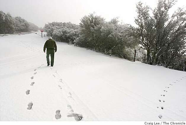 Snow up at Mount Diablo. Park mantenance worker, Arlo Bass, up at the summit. Photo: Craig Lee, The Chronicle