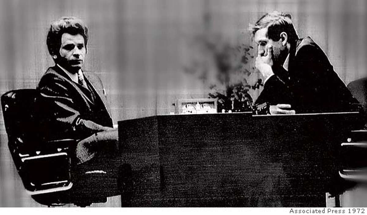 Boris Spassky (left) and Bobby Fischer facing off in the 19th game of the World Chess Championships in Laugardol Hall, Reykjavik, Iceland, August 27, 1972. The contest ended in a draw, leaving Fischer the overall tournament leader, 11-8. Associated Press Boris Spassky (left) and Bobby Fischer face off in the 1972 World Chess Championships. Ran on: 07-16-2004 Bobby Fischer lost his world chess title in 1975 when he refused to defend it.