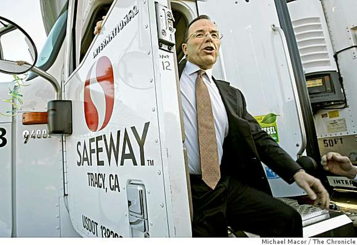 Safeway ranked No. 26safeway19_179_mac.jpg Chairman, Presdient and CEO of Safeway, Steve Burd, jumps down from one of the newer rigs. Grocery store Safeway Inc. one of the nation's leading retailers embracing environmentally friendly initiatives throughout it's business operations, announced today that it has converted its entire California and U.S. truck fleet to cleaner-burning biodiesel fuel. Michael Macor / The Chronicle Taken on 1/18/08, in Dublin, CA, USA