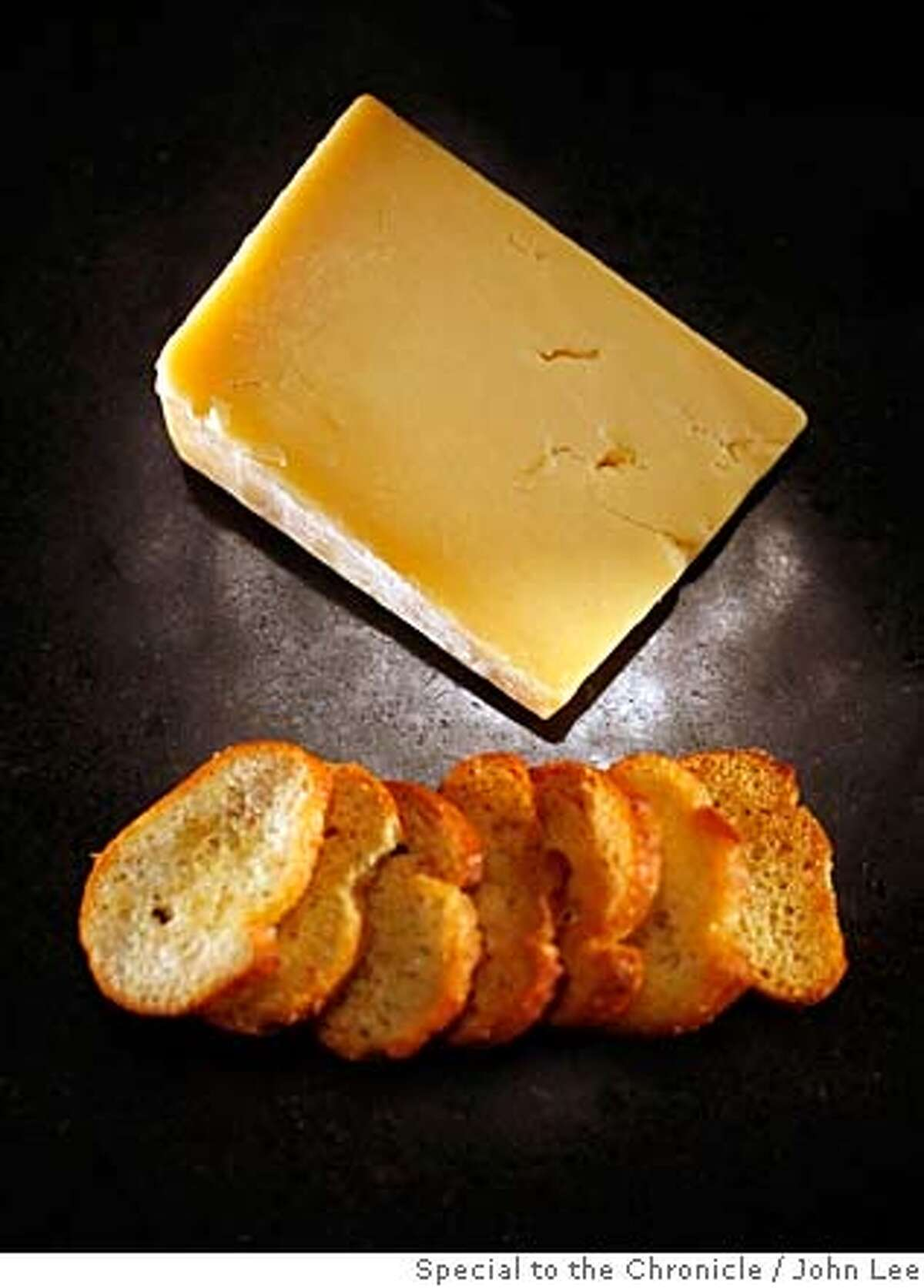 CHEESE21_JOHNLEE.JPG SAN FRANCISCO, CALIF - DEC 14: Borough Market Cheddar cheese. By JOHN LEE/SPECIAL TO THE CHRONICLE