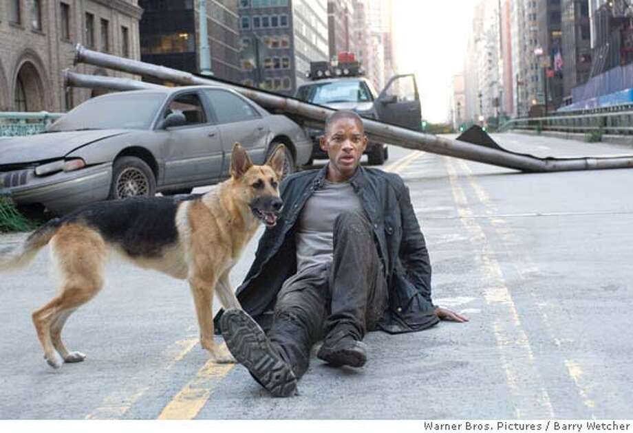 WILL SMITH stars as Robert Neville in Warner Bros. Pictures� and Village Roadshow Pictures� sci-fi action adventure �I Am Legend,� distributed by Warner Bros. Pictures. Ran on: 10-04-2007  Will Smith films &quo;I Am Legend&quo; in New York City, where it is set. Photo: Barry Wetcher S.M.P.S.P.