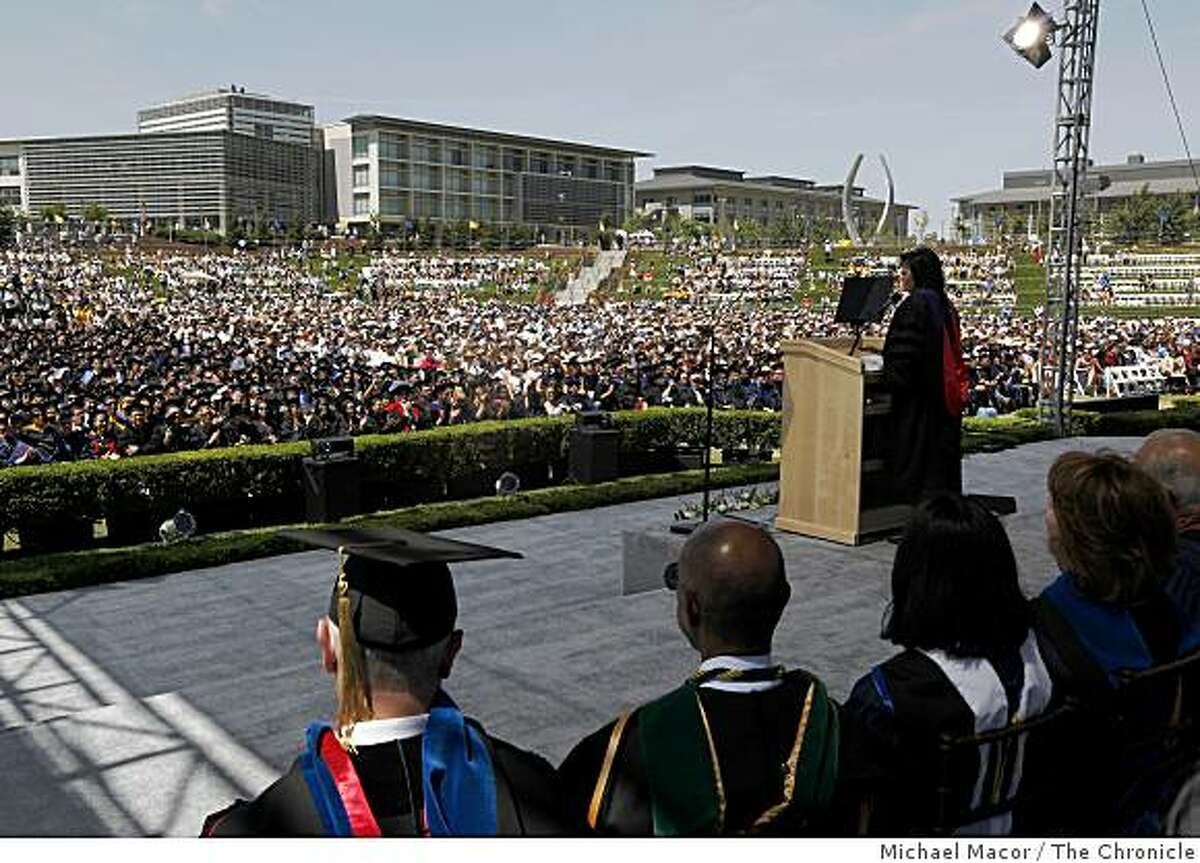 First Lady Michelle Obama delivers the commencement speech to the first full graduating class of UC Merced and the tousands gathered on Saturday, May 16, 2009 in Merced, Calif.