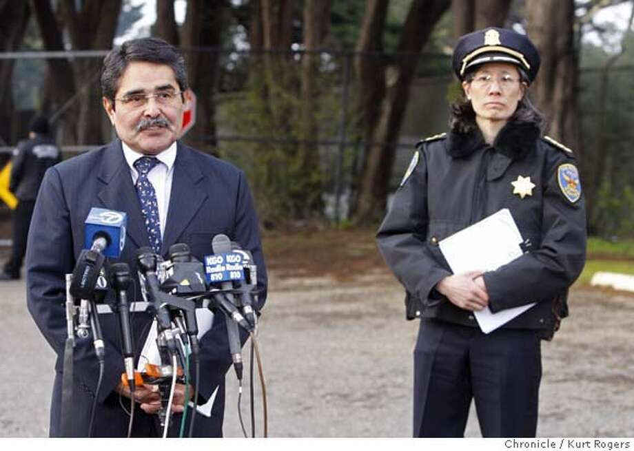 San Francisco Zoo Director Manuel Mollinedo with the Cheef of police Heather Fong during a press conference out side the San Francisco Zoo.  TIGER29_ZOO_0050_KR.jpg  Kurt Rogers / The Chronicle Photo taken on 12/28/07, in San Francisco, CA, USA Photo: Kurt Rogers