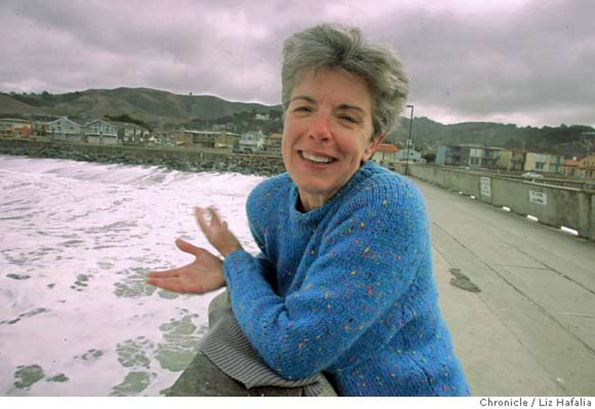 PNQUEER_045_LH.JPG �� Author Toni Mirosevich, an associate professor of creative writing at San Francisco State University, wrote about an area she's lived in for more than a decade in Pacifica. Photographed by Liz Hafalia on 11/2/05 in Pacifica, California. SFC Ran on: 11-11-2005 Author Toni Mirosevich found fodder for a book of prose poems and stories after moving to Pacifica with her partner. Ran on: 11-18-2005 Toni Mirosevich, author of the recently published Queer Street, teaches creative writing at San Francisco State University. Ran on: 11-18-2005