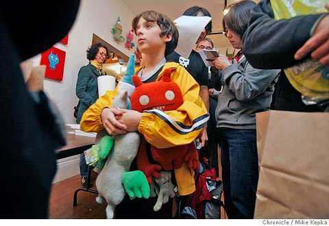 Uglydoll fans show their love in a costume contest - SFGate