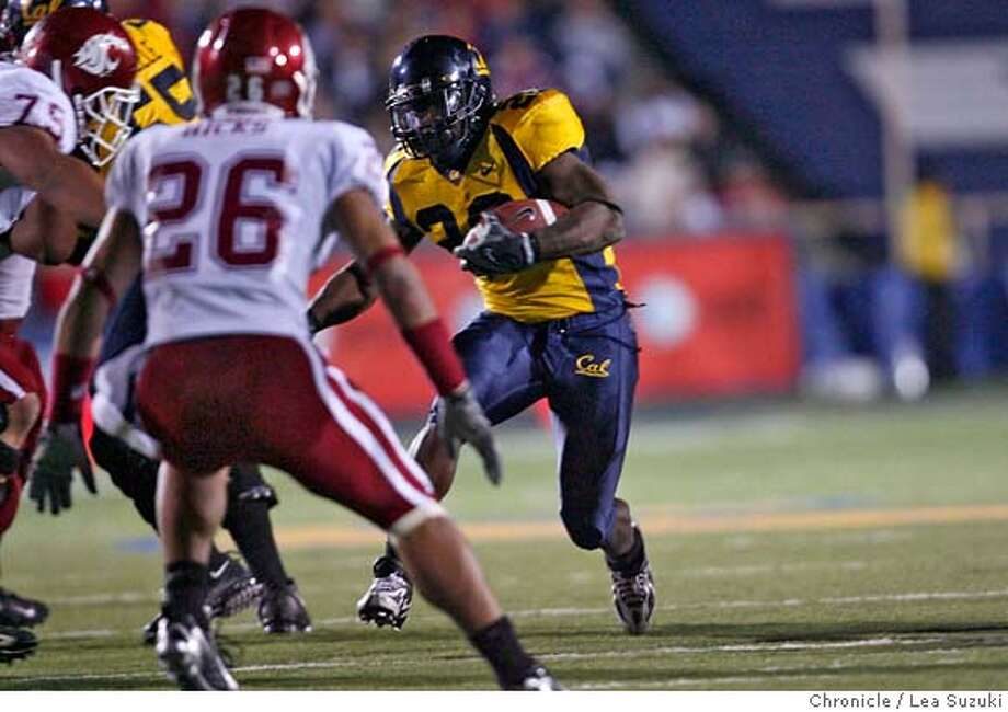 cal_washingtonstate_236_ls.jpg  #20 Justin Forsett runs for yardage during the second half. Cal vs. Washington State football game at Memorial Stadium in Berkeley. Final score Cal 20 WSU 17. Lea Suzuki / The Chronicle Photo taken on 11/3/07 in Berkeley, CA, USA. �2007, San Francisco Chronicle  MANDATORY CREDIT FOR PHOTOG AND SAN FRANCISCO CHRONICLE/NO SALES-MAGS OUT Photo: Lea Suzuki