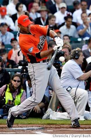 Alex Rios hits his third home run in the first round of the Home Run Derby.  Home Run Derby at AT&T Park in San Francisco, CA, on Monday, July, 9 2007. photo taken: 07/09/2007  Darryl Bush / The Chronicle ** (cq) Ran on: 07-10-2007  Vladimir Guerrero hit 14 home runs in the first two rounds, the second-highest total, then needed just three more in the finals to defeat Alex Rios.  Ran on: 07-10-2007  Vladimir Guerrero hit 14 home runs in the first two rounds, the second-highest total, then needed just three more in the finals to defeat Alex Rios. MANDATORY CREDIT FOR PHOTOG AND SF CHRONICLE/NO SALES-MAGS OUT Photo: Darryl Bush