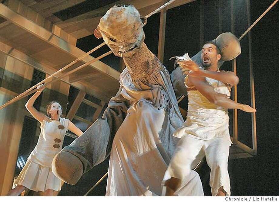 "ARGONAUTIKA09_146_LH.JPG Casey Jackson defeating the monster in Mary Zimmerman's ""Argonautika"" at Berkeley Repertory Theatre.  Liz Hafalia/The Chronicle/San Francisco/11/2/07  **Casey Jackson cq Photo: Liz Hafalia"