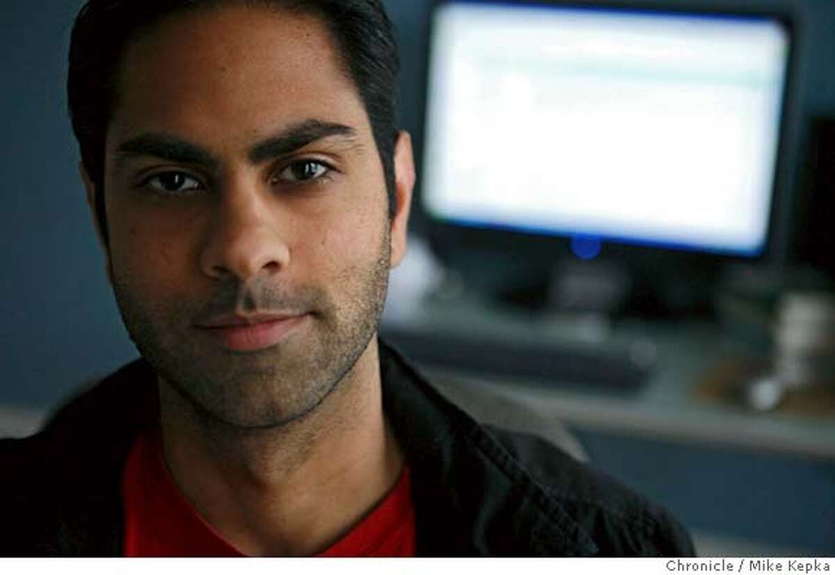 """Ramit Sethai (cq), 25, personal finance guru to Gen Y 20-somethings, is a recent Stanford graduate and co-founder of a Silicon Valley Web 2.0 startup., Setha also authors a phenomnally popular blog """"I Will Teach You to Be Rich."""" from his apartment in San Francisco. Mike Kepka / The Chronicle Photo taken on 10/30/07, in San Francisco, CA, USA MANDATORY CREDIT FOR PHOTOG AND SAN FRANCISCO CHRONICLE/NO SALES-MAGS OUT"""