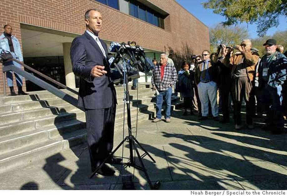 cloutier1.jpg  Gary Cloutier, vice major of Vallejo, Calif., apologizes before residents and reporters on Tuesday, Nov. 20, 2007. Cloutier, locked in a tight mayoral race, was arrested Sunday on suspicion of public intoxication in Palm Springs.  BY NOAH BERGER/SPECIAL TO THE CHRONICLE Photo: Noah Berger