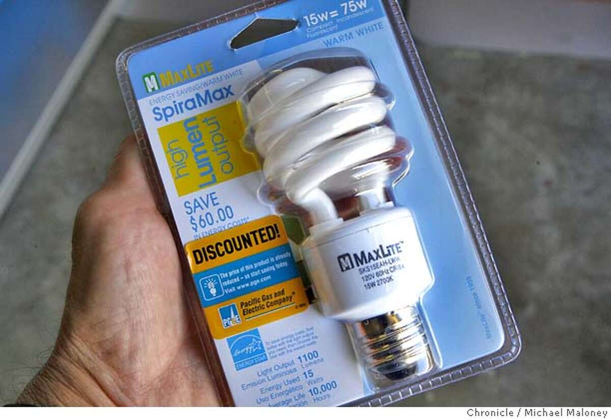 PG&E is offering an instant rebate (at the register) for the CFL bulbs (the new energy efficient spiral type compact fluorescent lamps). Some buyers of the are selling them on ebay at an inflated cost for those not aware of the current rebate offer. Photo taken on 11/15/07, in San Francisco, CA. Photo by Michael Maloney / San Francisco Chronicle *** Ran on: 11-16-2007 PG&E intends the energy-saving lightbulbs to help state residents save energy and money.