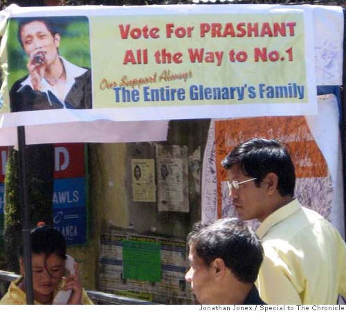 india25_ph1.JPG A calling booth to vote for Prashant, one of the final contestants in Indian Idol in Darjeeling, India. Jonathan Jones / Special to The Chronicle MANDATORY CREDIT FOR PHOTOG AND SAN FRANCISCO CHRONICLE/NO SALES-MAGS OUT