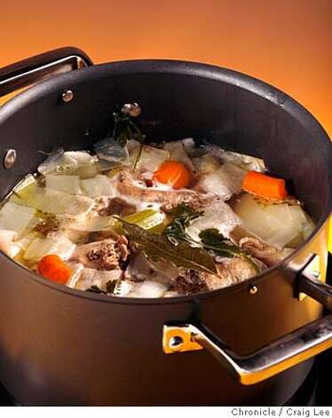 STOCKS31_045_cl.JPG  Photo for story on making soup stock.  on 10/23/07 in San Francisco. photo by Craig Lee / The Chronicle MANDATORY CREDIT FOR PHOTOG AND SF CHRONICLE/NO SALES-MAGS OUT Photo: Photo By Craig Lee
