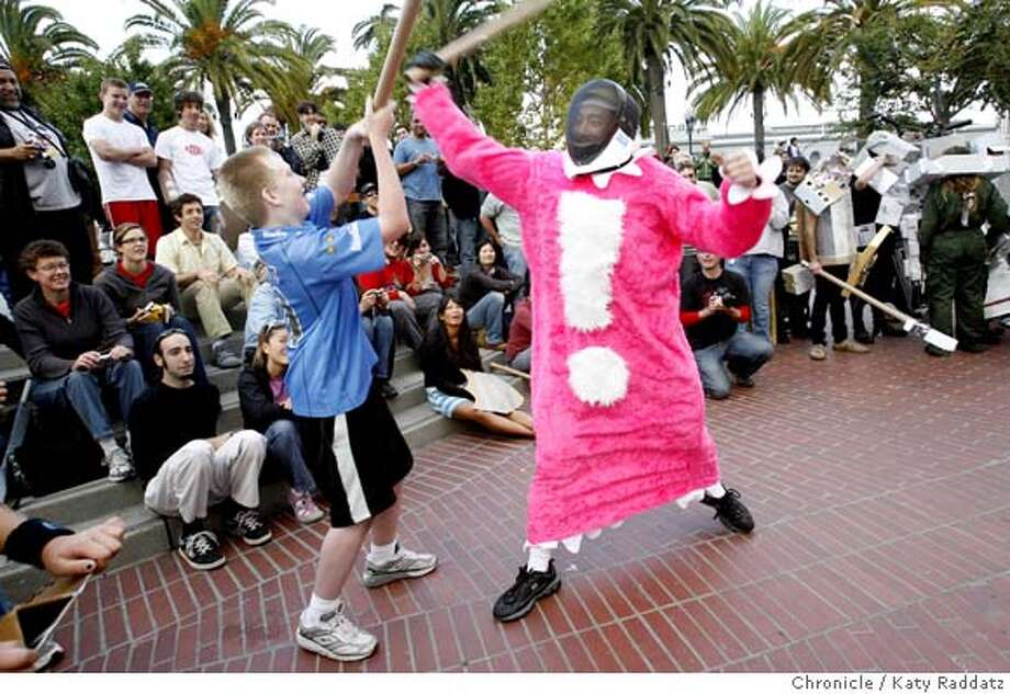 TUBEFIGHT29  L to R: Ryan Schwartz battles Matt Ho at the Cardboard Tube Fighting League Tournament, held in Justin Herman Plaza, in San Francisco, CA. These pictures were made on Sunday Oct. 28, 2007, in San Francisco, CA.  KATY RADDATZ/The Chronicle Photo taken on 10/28/07, in San Francisco, CA, USA Photo: KATY RADDATZ