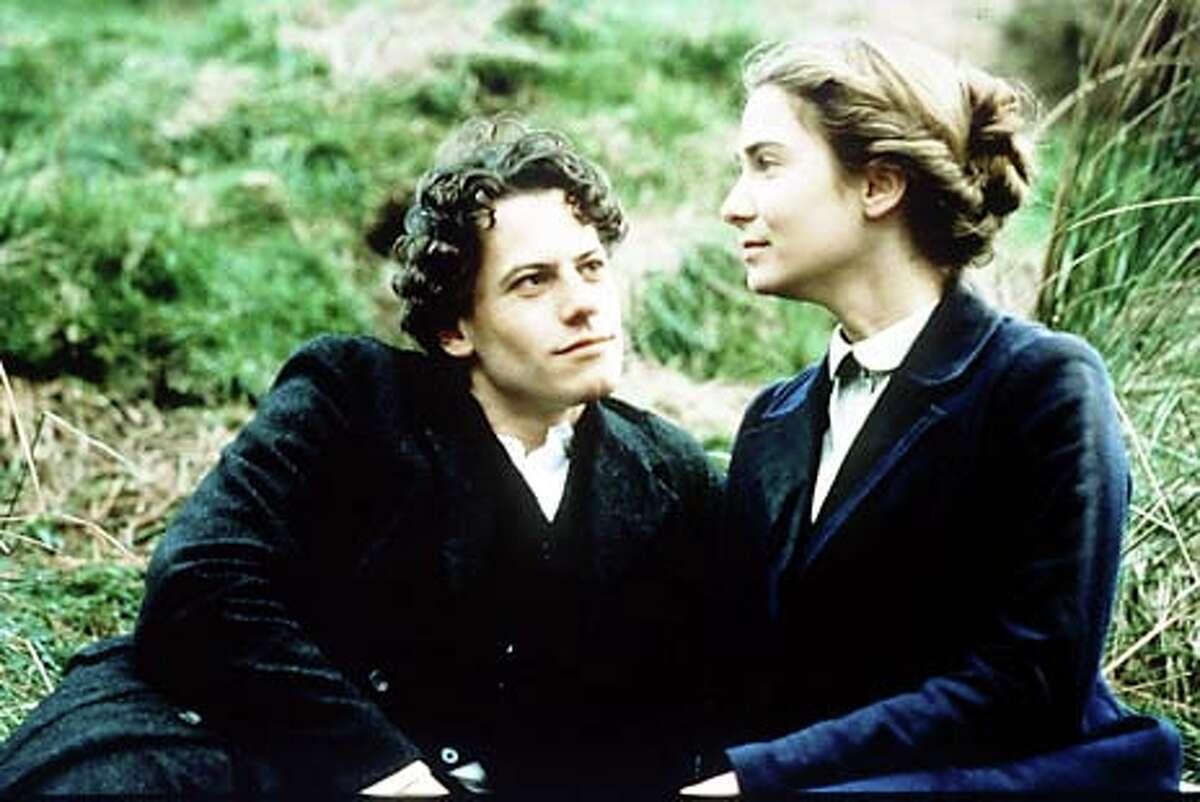 "A Jewish boy (Ioan Gruffudd) and a Welsh girl (Nia Roberts) fall in love despite their circumstances in ""Solomon and Gaenor.''"