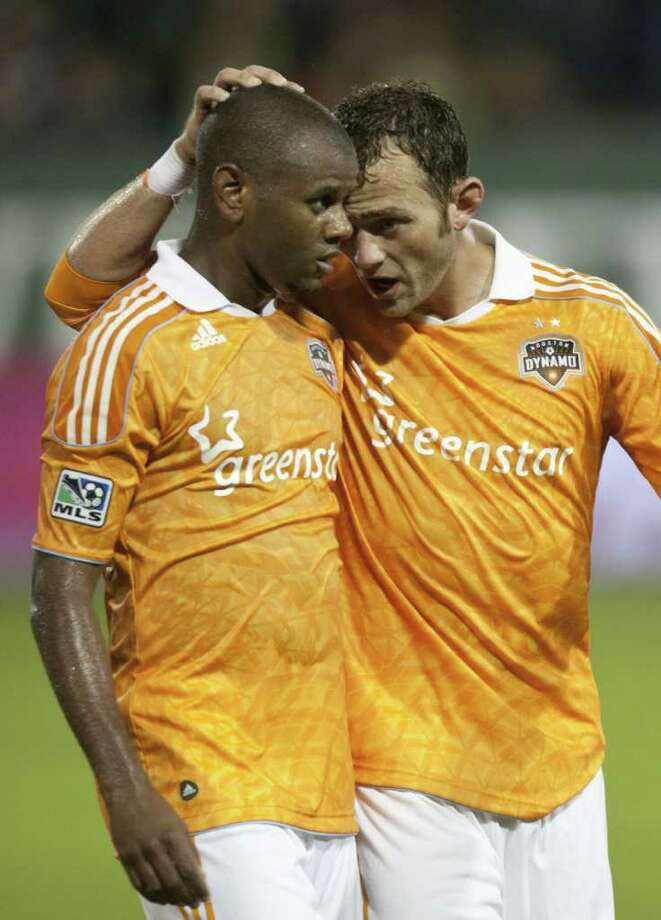 Luiz Camargo y  Brad Davis fueron dos jugadores fundamentales la temporada pasada para el Houston Dynamo. Photo: Jay Drowns / 2011 Getty Images