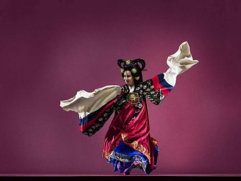 OngDance Company will performing at the Lunar New Year festivities Saturday in Oakland. Photo: RJ Muna