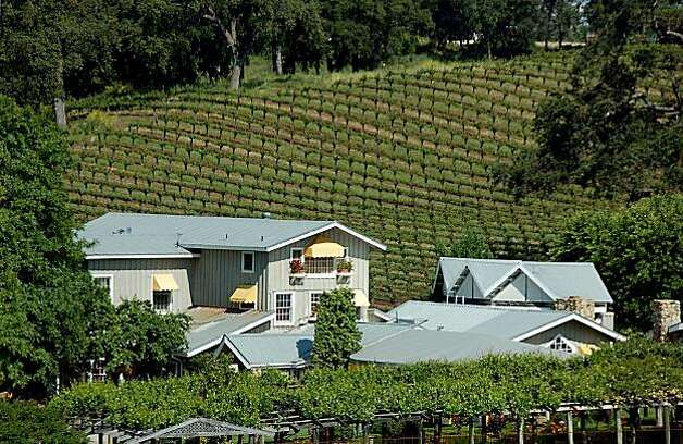 TRAVEL PASO ROBLES --  Justin Vineyards in Paso Robles is home to the Just Inn, a tasting room and restaurant.  Courtesy Just Inn / Justin Vineyards Photo: Ho, Courtesy Just Inn / Justin Viney