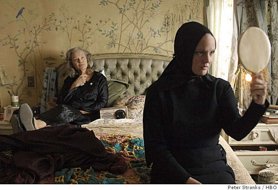 GREY GARDENS: 1936. Drew Barrymore, Jessica Lange. Photo: Peter Stranks, HBO