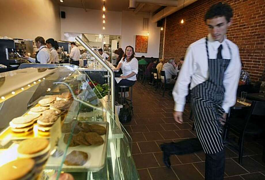 Elizabeth Falkner owner of Citizen Cake has relocated the popular cafe-bakery to 2125 Fillmore Street in San Francisco. Wednesday Nov. 17, 2010 Photo: Lance Iversen, The Chronicle