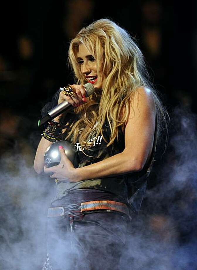 Ke$ha receives the Best New Act Award on November 7, 2010 during the 2010 MTV Europe Music MTV (EMA) host in Madrid. Photo: Dominique Faget, AFP/Getty Images