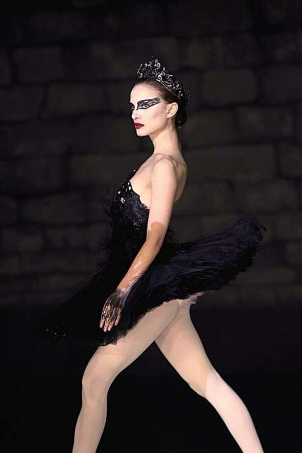 "Natalie Portman  in ""Black Swan."" Photo: Niko Tavernise, Fox Searchlight"
