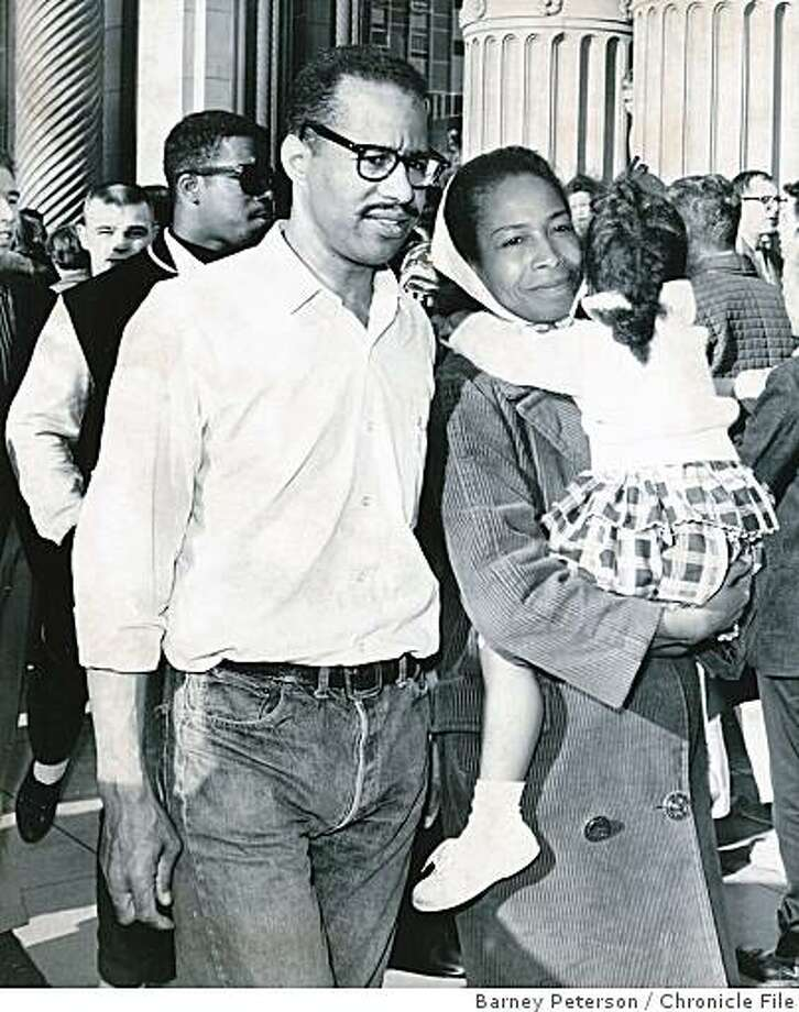 GOODWIN.jpg 1964 - Obit photo of Joye Goodwin with her late husband Asst. DA Luther Goodwin at a protest outside a Cadillac dealership in 1964.Barney Peterson Chronicle File Photo: Barney Peterson, Chronicle File