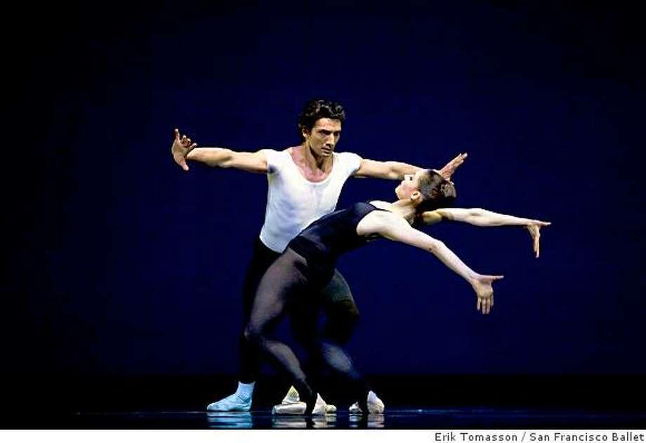 Sofiane Sylve and Pierre-Fran�ois Vilanoba in Balanchine's Stravinsky Violin Concerto Photo: Erik Tomasson, San Francisco Ballet