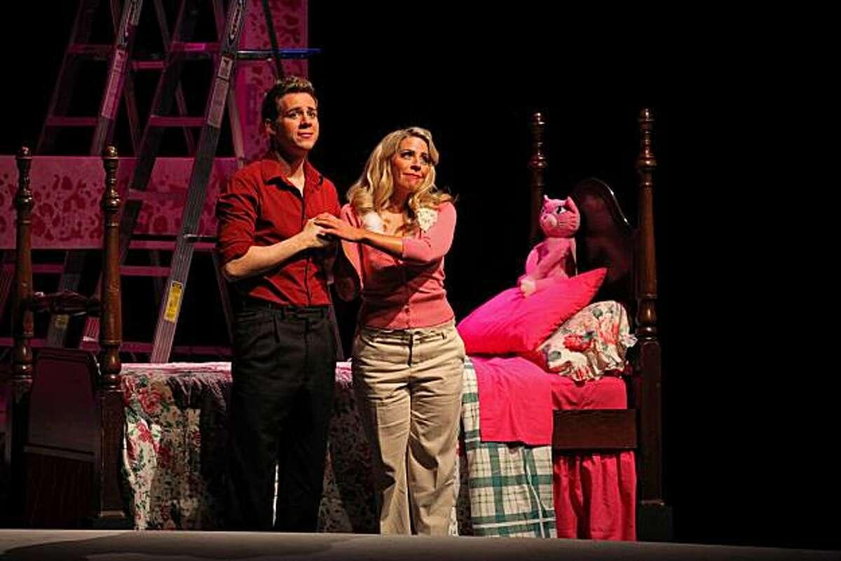 Ryan Belongie (l.) as Arsamene and Angela Cadelago as Romilda in Handel's