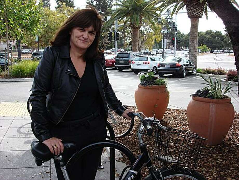 Cathy Horyn, fashion critic for the New York Times, who covers women's haute couture and ready-to-wear, was at Stanford University the week of Oct. 18, 2010, to teach a class on writing. Photo: Carolyne Zinko/The Chronicle