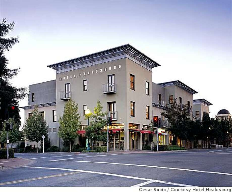 Exterior shot of the Hotel Healdsburg Photo: Cesar Rubio, Courtesy Hotel Healdsburg
