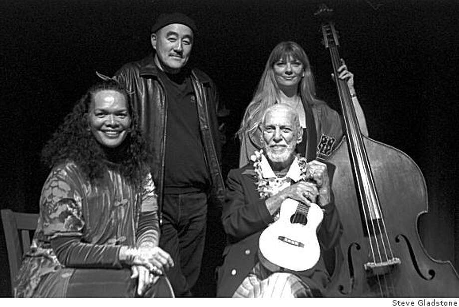 Bill Tapia (bottom right) and band (l-r): Mihana, Akira Tana and Ruth Davies. Photo: Steve Gladstone