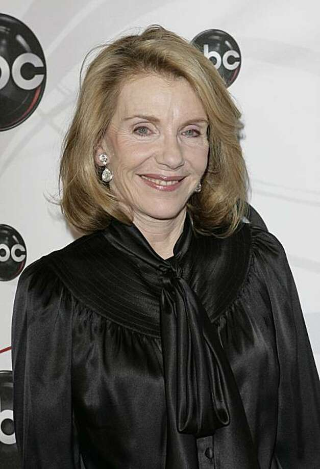 "FILE - In this May 15, 2007 file photo, Jill Clayburgh, star of ""Dirty Sexy Money"" poses for photographers on the red carpet during the arrivals of ABC's 2007-2008 preview in New York. In one of her final roles Jill Clayburgh plays the mom of charismaticViagra salesman Jamie Reidy (Jake Gyllenhaal) in the romantic comedy ""Love and Other Drugs."" Photo: Seth Wenig, AP"