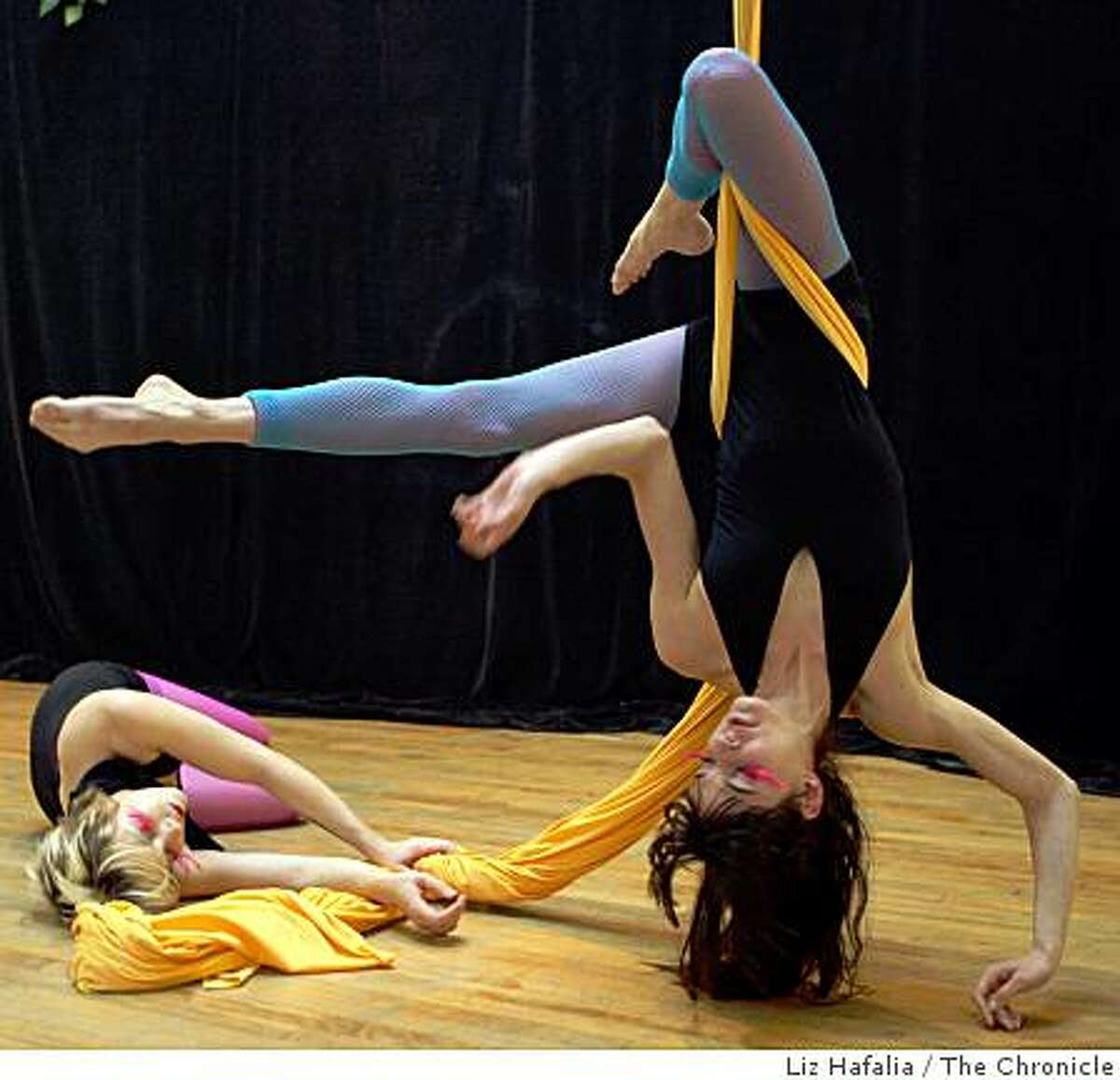 Ana Hyatt (left) and Amanda Bassolino (right), dancers of Cirque Noir rehearsing a new show in San Francisco, Calif. on Tuesday, March 31, 2009.