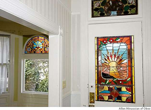 Entryway with stained glass at 130 Delmar street in San Francisco. Photo: Allen Minassian Of Obeo